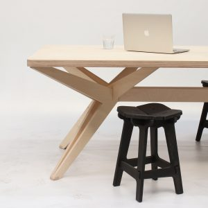 Kruis tafel met Linoleum blad